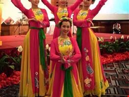cho thuê áo dài, cho thuê trang phục biểu diễn, trang phục biểu diễn, trang phục truyền thống, trang phục dân tộc, trang phục múa....